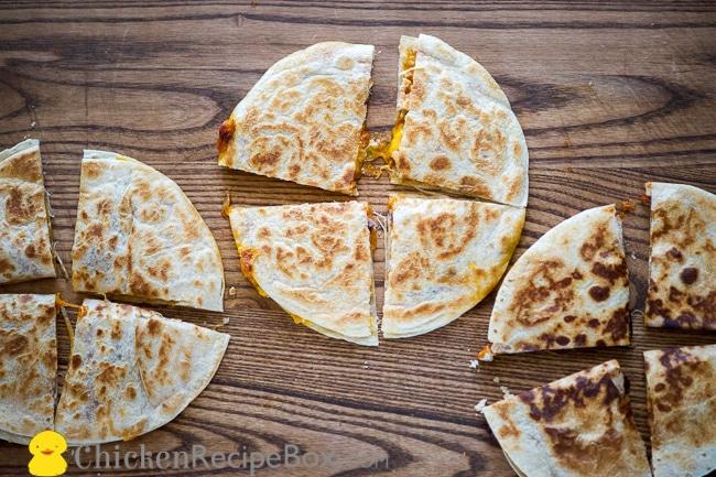 Great Chicken Chili Quesedilla Recipe that's Quick and Easy via ChickenRecipeBox.com