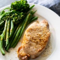 Air Fryer Pork Chops Recipe for Juicy Air Fried Pork Chops   @bestrecipebox