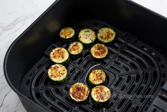 Cooked zucchini coins in air fryer