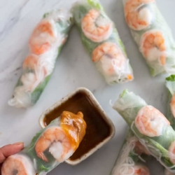 Vietnamese Fresh Shrimp Spring Rolls recipe with peanut dip @bestrecipebox