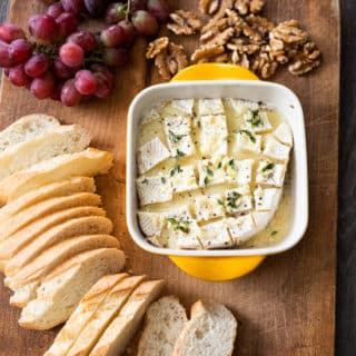 Garlic Butter Baked Brie | @BestRecipeBox