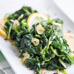 Garlic Lemon Spinach Recipe that's Healthy and Vegetarian | @bestrecipebox