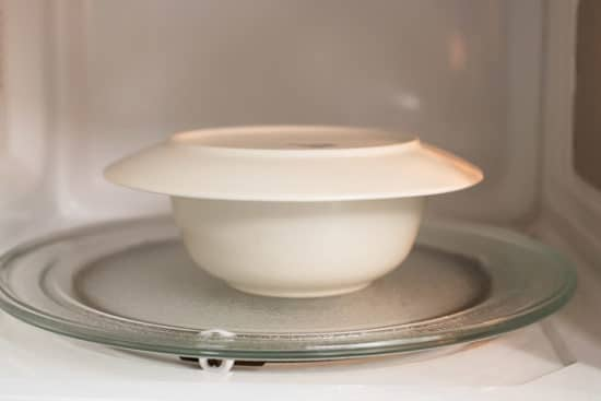 Bowl with lid in microwave