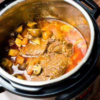 Tender Juicy Pot Roast in Instant Pot Pressure Cooker   @bestrecipebox