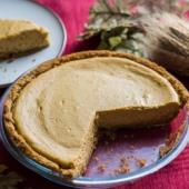 Easy Pumpkin Cheesecake Recipe for Thanksgiving Pie and Desserts | @bestrecipebox