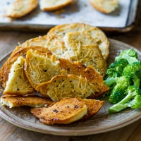 Baked Garlic, Herb and Parmesan Bagel Chips