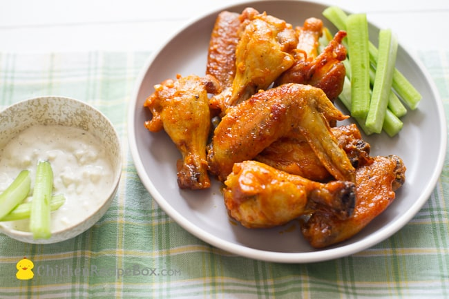 Fantastic Garlic Buffalo Wings Recipe- perfect appetizer! via ChickenRecipeBox.com