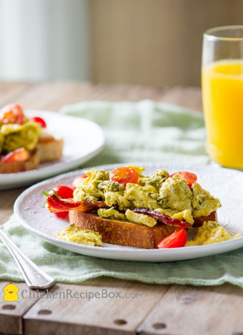 Pesto Scrambled Eggs & Bacon Breakfast Sandwich Recipe from ChickenRecipeBox.com